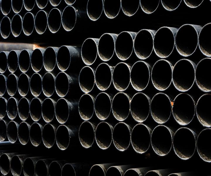ống thép đen